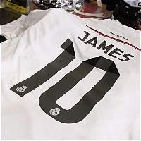Subastarán camiseta de James Rodríguez por niños de la Guajira