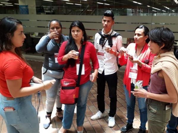 Reporteros comunitarios, una nueva manera de ayudar a las regiones