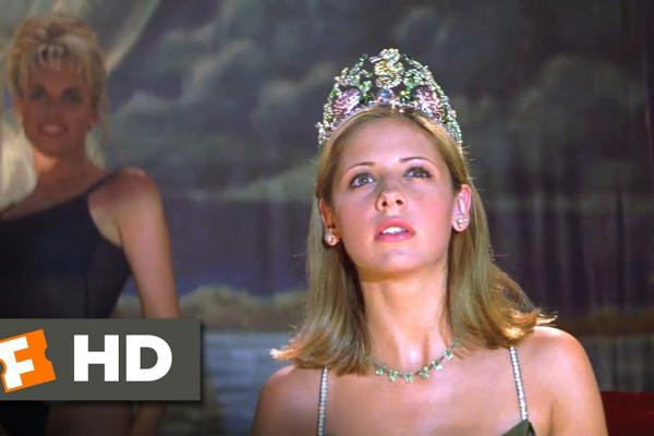 I Know What You Did Last Summer (6/10) Movie CLIP - A Killer in the Balcony (1997) HD - Movieclips