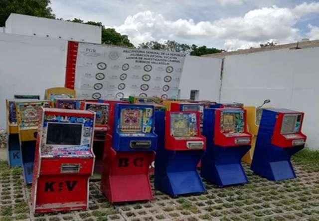 Aseguran máquinas tragamonedas en Valladolid