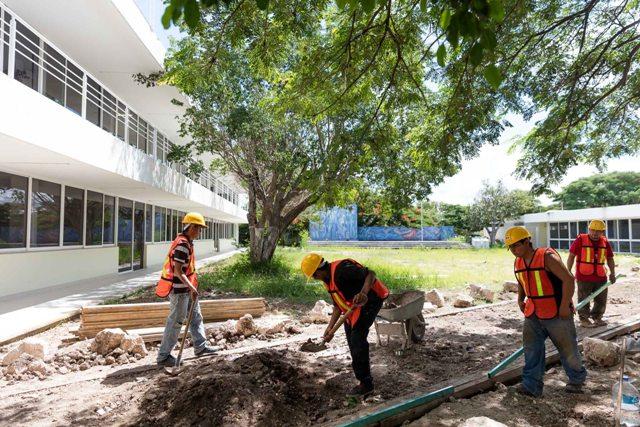 Edificio administrativo central de la UADY, casi listo