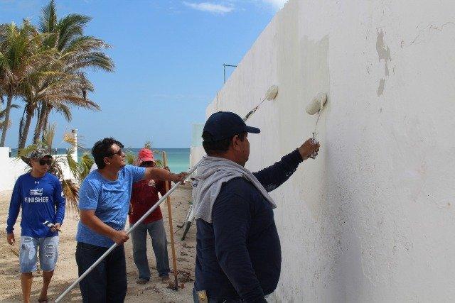 """Funcionarios y empleados municipales participan en la """"Recuperación de Playas"""""""