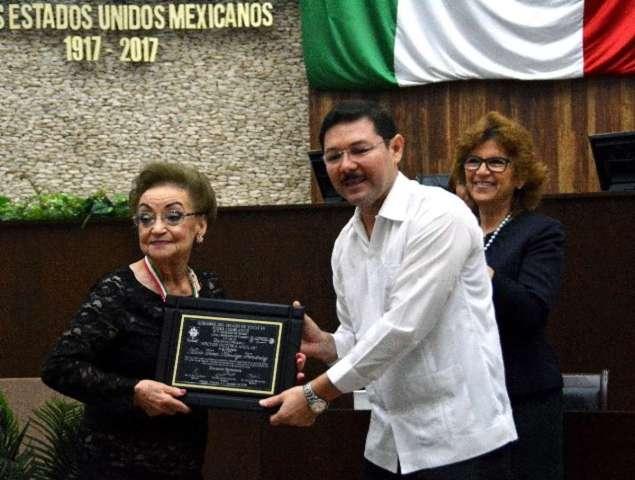 """LXII Legislatura entrega la Medalla de Honor """"Héctor Victoria Aguilar"""""""
