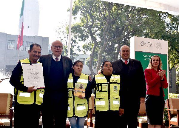 La labor altruista engrandece a México