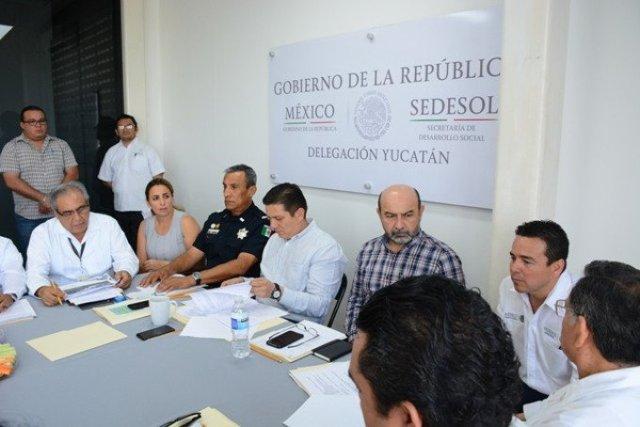 Se reúnen delegados federales para proteger a la niñez yucateca