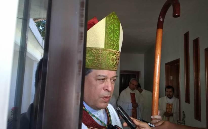 """""""Hay que intentar algo distinto"""" para combatir el crimen: Arzobispo"""