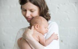 Diseñan sujetador que ayuda a producir leche materna con menos dolor