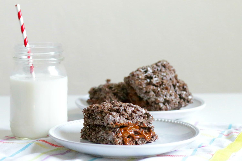 Postrecitos de cereal de chocolate con cajeta