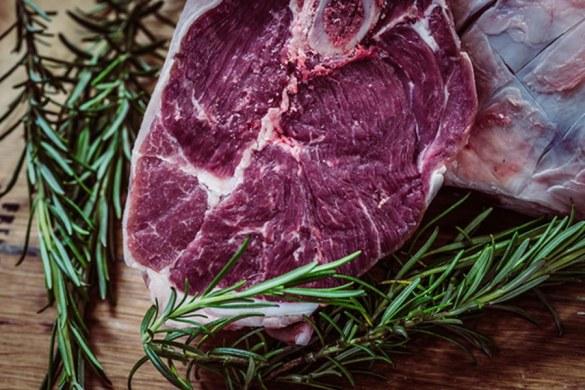 ¿Cómo se cortan los alimentos en la industria alimenticia para garantizar su calidad?
