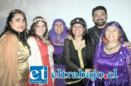 CAMERATA ACONCAGUA.- Ellos son: Gladys Hernández, Ximena González, Norma Ulloa, Carolina Iturrieta, Jorge Gaete y Lorena Fernández.