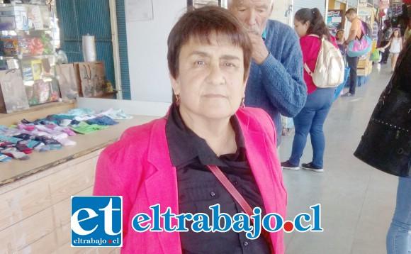 Julia Urquieta Abogada de los trabajadores de parquímetros de San Felipe, que demandaron a José Hidalgo dueño de la empresa anterior.