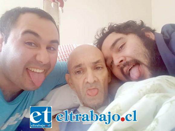 Pablo Imbert Jiménez en sus últimos momentos junto a sus hijos.