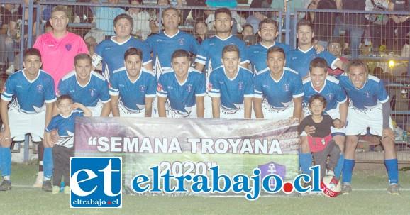 LOS ANFITRIONES.- El Club Deportivo Juventud La Troya fue el anfitrión del torneo, ocupando el cuarto lugar.