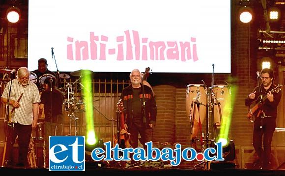 La memoria histórica de Inti Illimani emocionó a los presentes de la primera noche, ellos son músicos muy queridos en Chile.