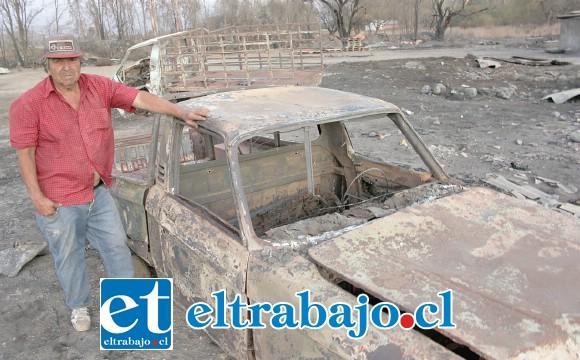 LO PERDIÓ TODO.- Don Alejandro Silva perdió bodega, animales y los vehículos que tenía para sus labores.