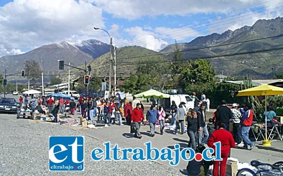 Las ferias Diego de Almagro y de Las Pulgas (en la imagen) funcionan todos los domingos en la avenida del mismo nombre en el sector poniente de la ciudad.