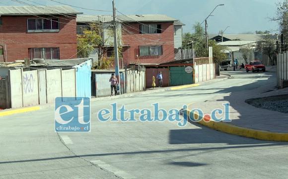DE PRIMERA.- Así luce la nueva vía, impecable acabado para el disfrute de todos en Población Chorrillos y sectores aledaños.
