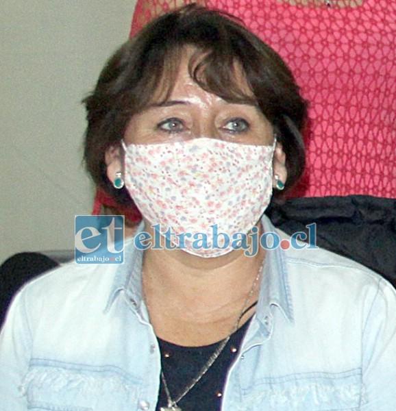 María Teresa Cerda, de la Oficina Municipal de la Vivienda.