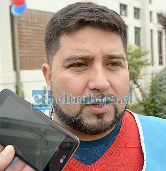 Guillermo Brito, voluntario del Comedor Solidario de la Parroquia Andacollo. (Foto Archivo)