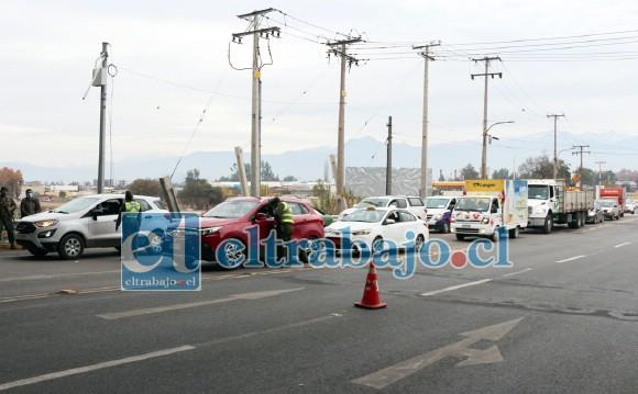El primer día hábil de cuarentena registró una importante congestión vehicular en los principales accesos de la comuna, el que debiera tender a normalizarse durante la semana.