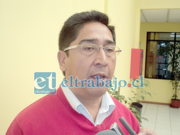 Juan Manuel Millanao, administrador del cementerio.