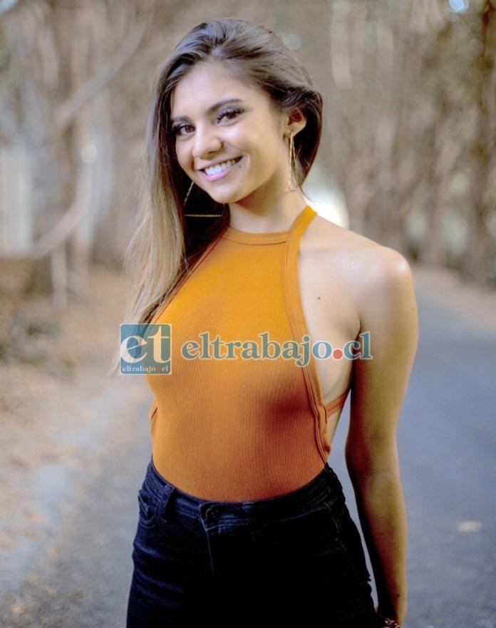 Francisca Vergara Borbarán, de 23 años de edad, especialista del área de las artes, coreógrafa e intérprete en danza.