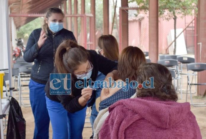 GUERRA EN DOS FRENTES.- Hasta esta semana funcionará el Estadio Municipal como vacunatorio contra la Influenza, la próxima semana seguirá pero en el Fortín Prat.