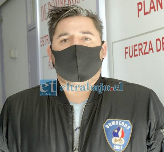 Inspector jefe de Comunicaciones del Cuerpo de Bomberos de San Felipe, José Estay Donoso.