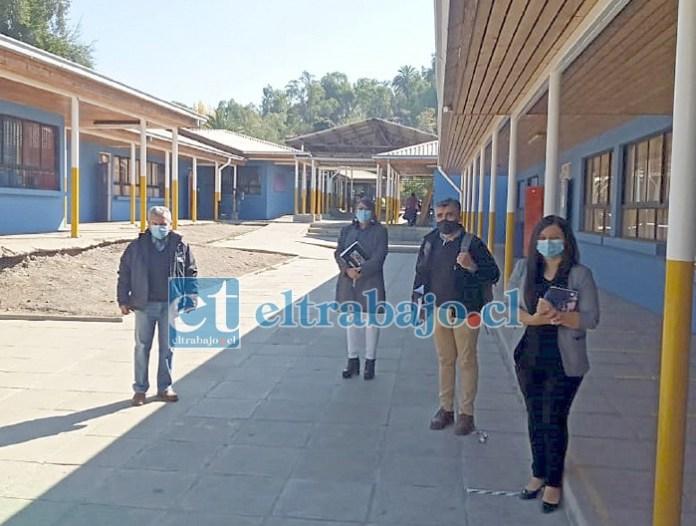 Las autoridades municipales de Putaendo visitaron el recinto educativo.