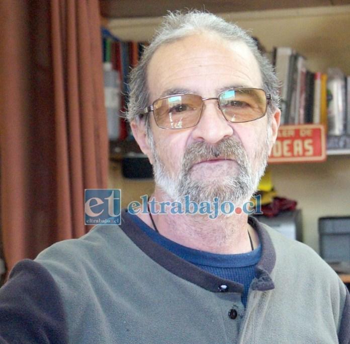 José Claudio Fernández, técnico en electrónica, argentino, dirige una radio comunitaria en San Felipe.