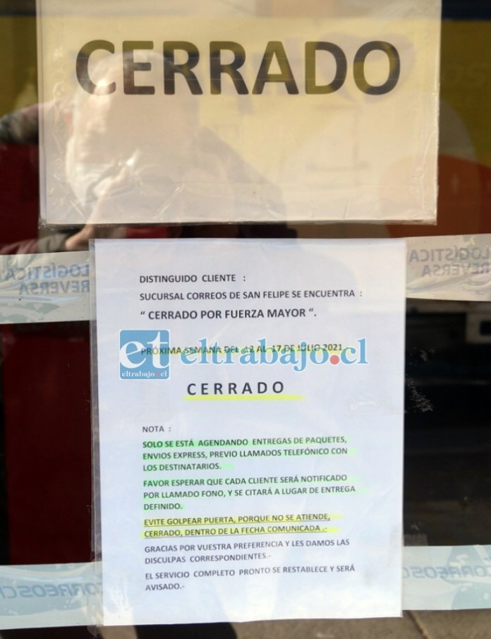 NO INSISTA.- Claramente este anuncio en la puerta de la sucursal advierte que es inútil pedir explicaciones o solicitar algún servicio en Correos de Chile San Felipe.