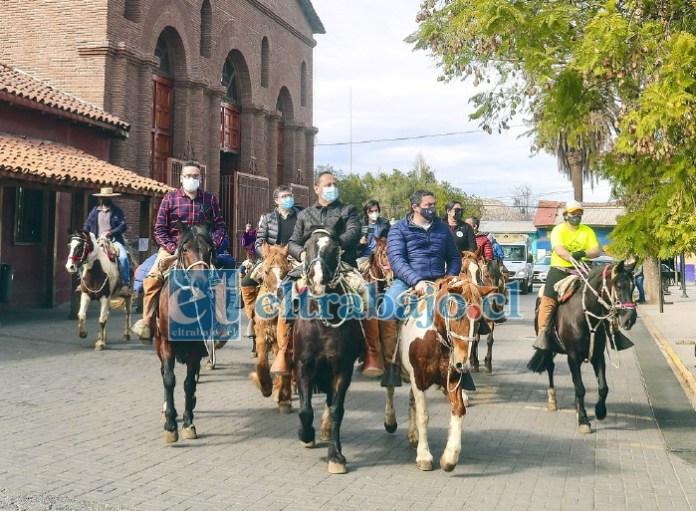 El alcalde Mauricio Quiroz encabezó la cabalgata patrimonial en el lanzamiento de la ZOIT.