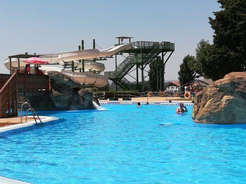 Las mejores piscinas en Huesca para ir con niños