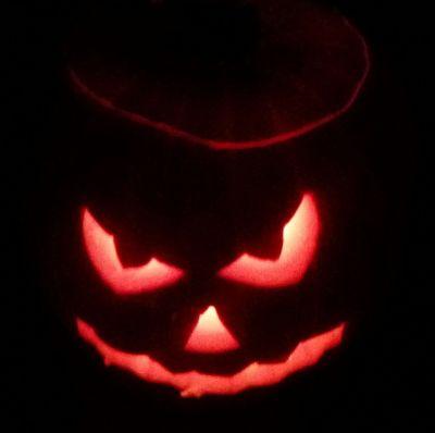 La Noche de Todos los Santos Halloween