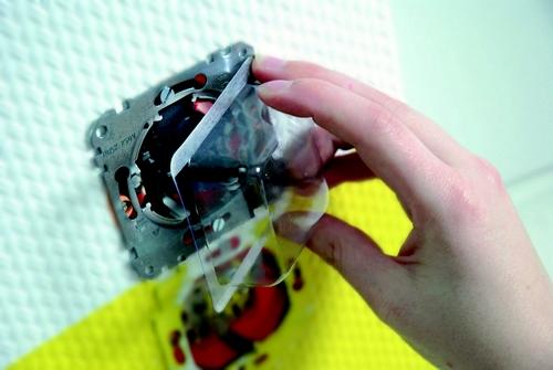 FESTÉKVÉDŐ - felragasztható műanyag fedél  - alkalmazás