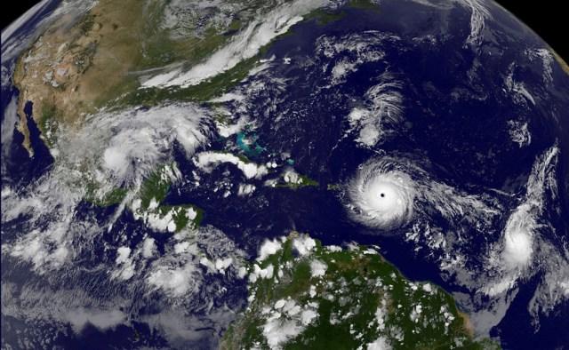 Lo que debes saber de los tres huracanes que azotan el Atlántico
