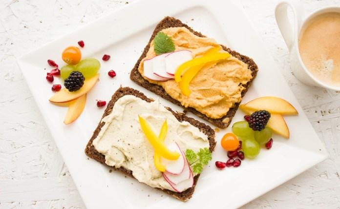 ¿Qué alimentos se deben desayunar?