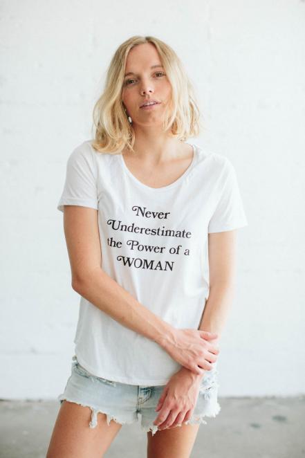 selena-gomez-feminista-playera1.jpg