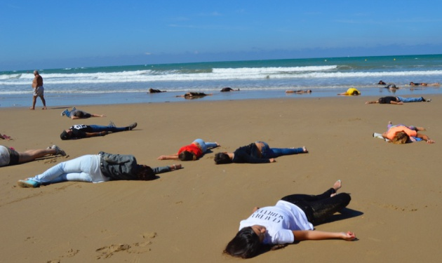 Performance en las playas de Cádiz