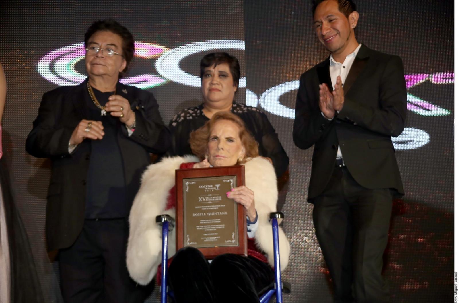 Homenajean a Rosita Quintana  El Viga