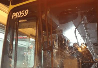 Dos vehículos de Metrolínea fueron vandalizados anoche en Bucaramanga