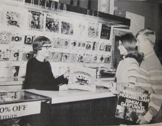 Elvis_RecordStore