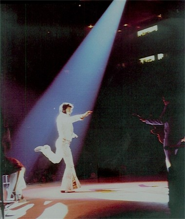 https://i0.wp.com/www.elvisconcerts.com/pictures/s72061601.jpg