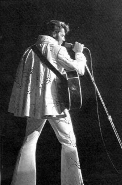 https://i0.wp.com/www.elvisconcerts.com/pictures/s72061603.jpg