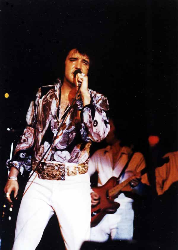 https://i0.wp.com/www.elvisconcerts.com/pictures/s72061901.jpg