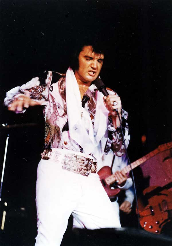 https://i0.wp.com/www.elvisconcerts.com/pictures/s72061903.jpg