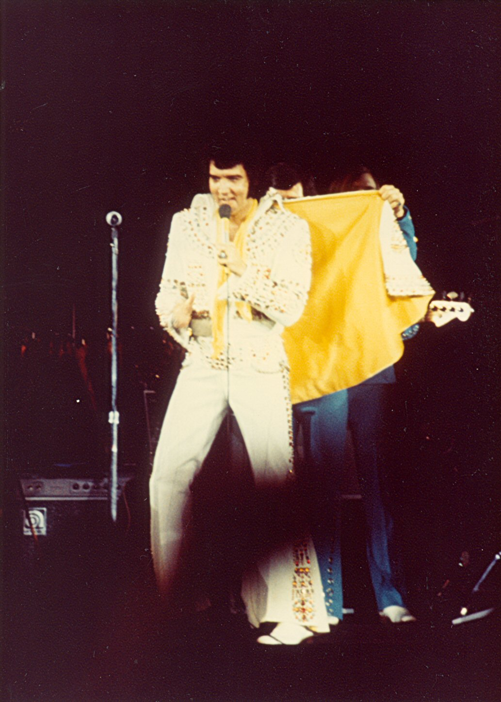 https://i0.wp.com/www.elvisconcerts.com/pictures/s73062203.jpg
