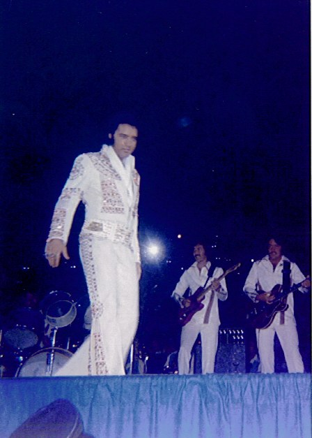https://i0.wp.com/www.elvisconcerts.com/pictures/s73062601.jpg