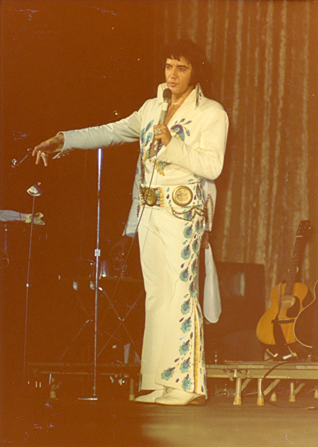 https://i0.wp.com/www.elvisconcerts.com/pictures/s74062102.jpg