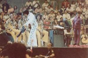 https://i0.wp.com/www.elvisconcerts.com/pictures/s74063001.jpg